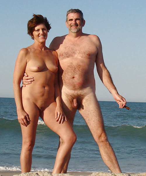 Naked mature couples-8344