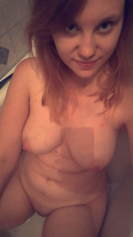 Warm Nude Yolo Selfie Images