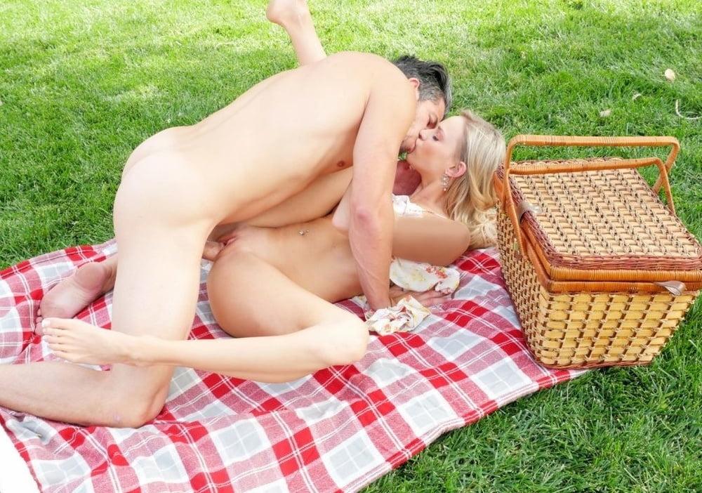 женщины приглашаются на пикник с интимом владивосток заросшие вагины