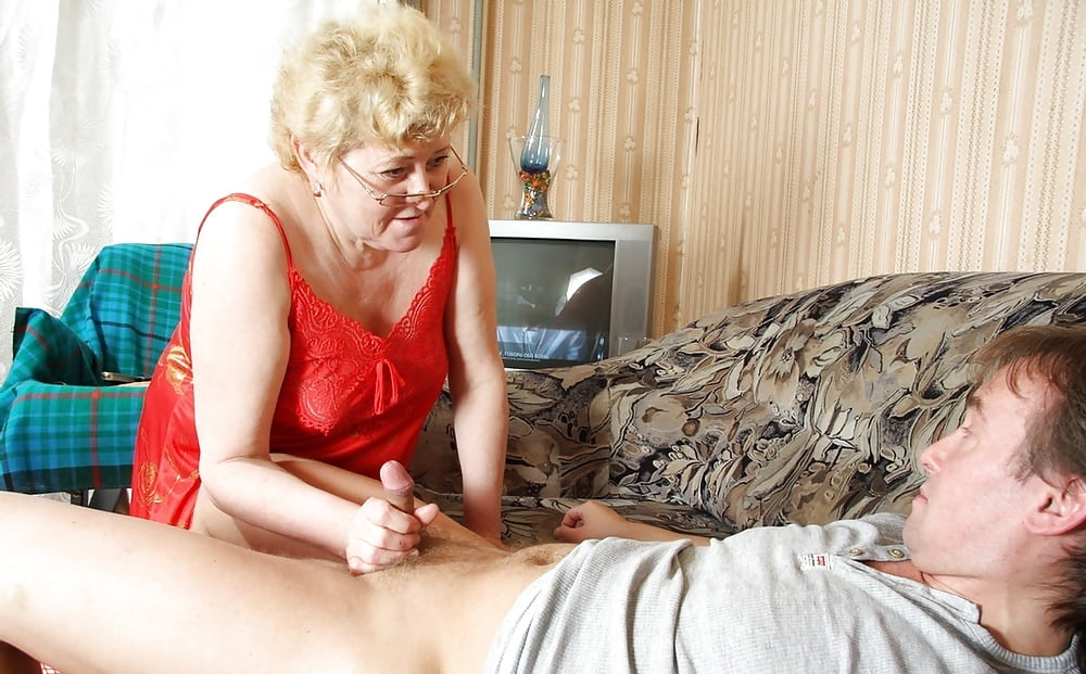 mature-lady-seduces-young-man-nackt-sex-fuak