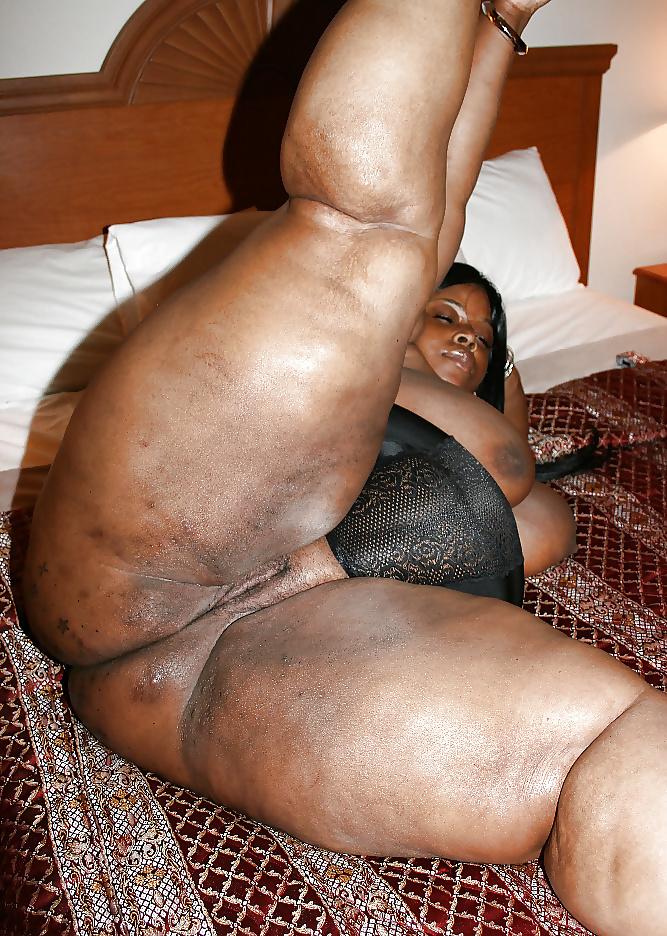 Big black mama booty sex — img 1