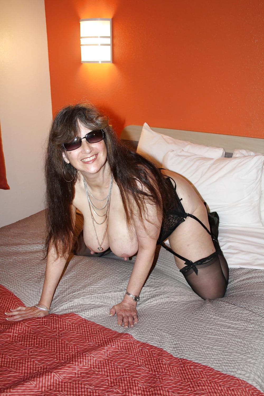 Tinja boobs stretch her canucks nhl bikini - 2 5