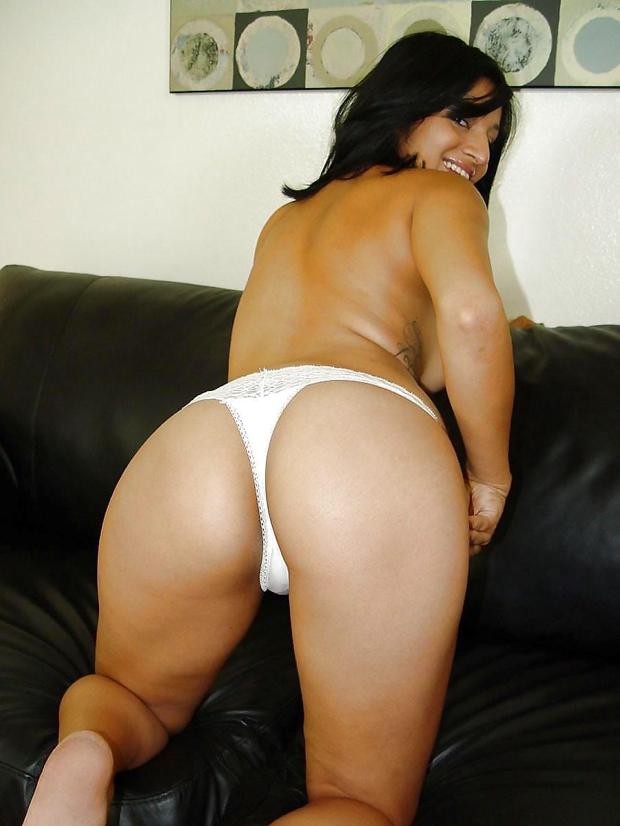 gemini-swinger-nude-nri-booty