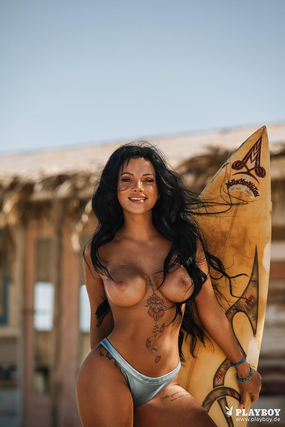 Nackt bilder mihailova emilija Emilija Mihailova