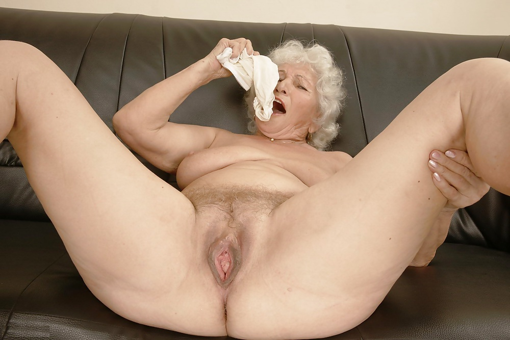 Gorgeous Old Woman Pussy Porn Pics