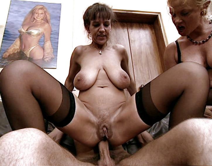 mature-german-video-girls-lingerie-party