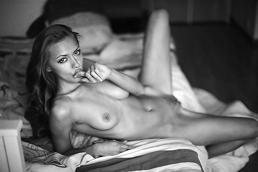 Naked cute girl pic-2232