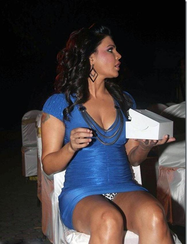 Hot Rakhi Sawant Hot Sexy In Bikini Pics