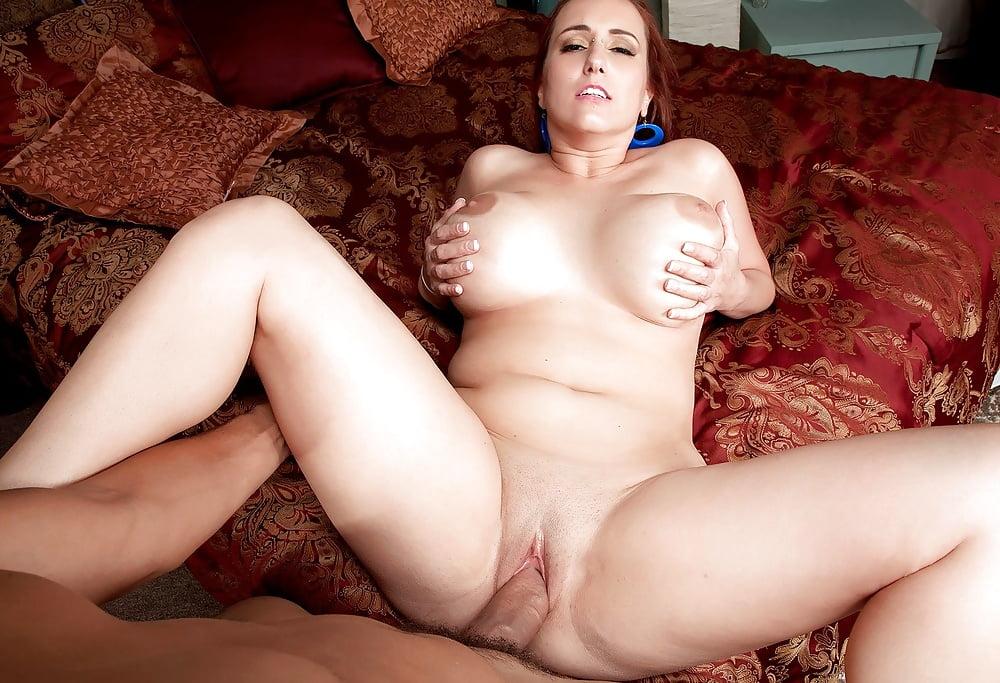 секс с русской женщиной с аппетитными формами - 6