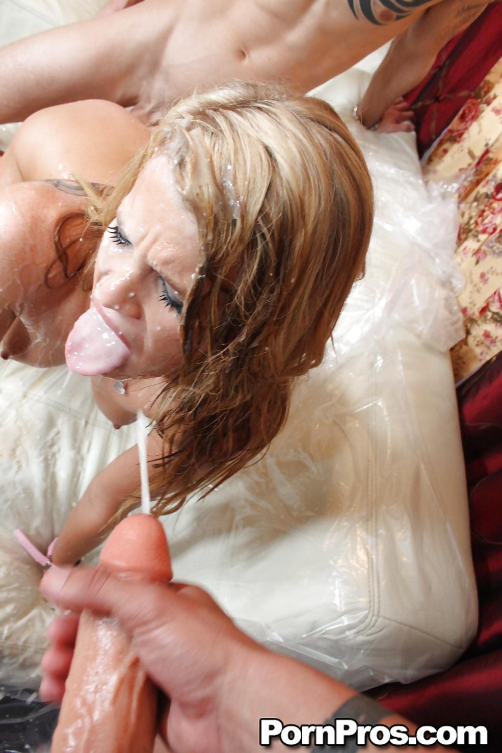 eyden-aspen-glotaet-spermu-foto-masturbiruet-anus-paltsem