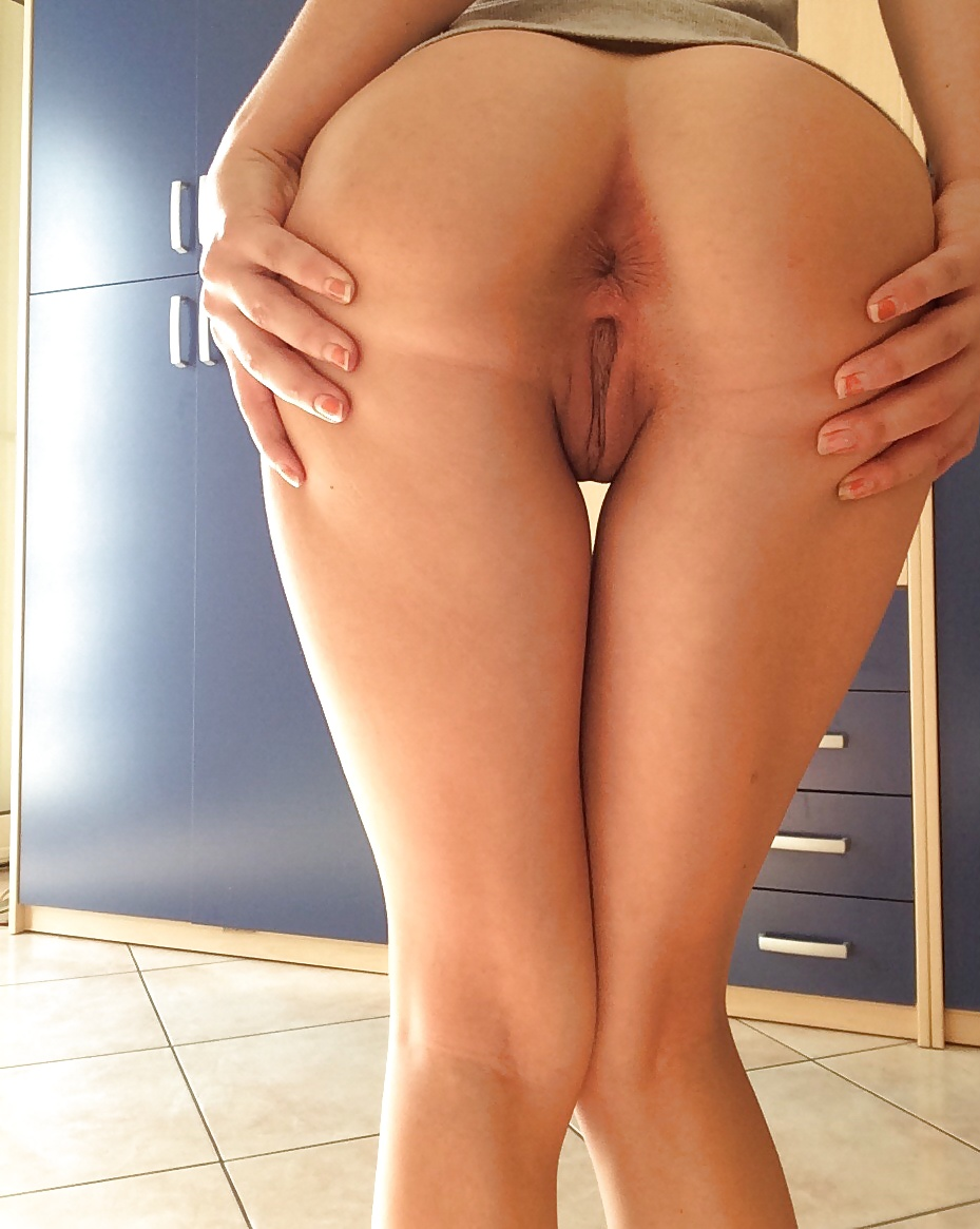 Pussy ass cheek between legs