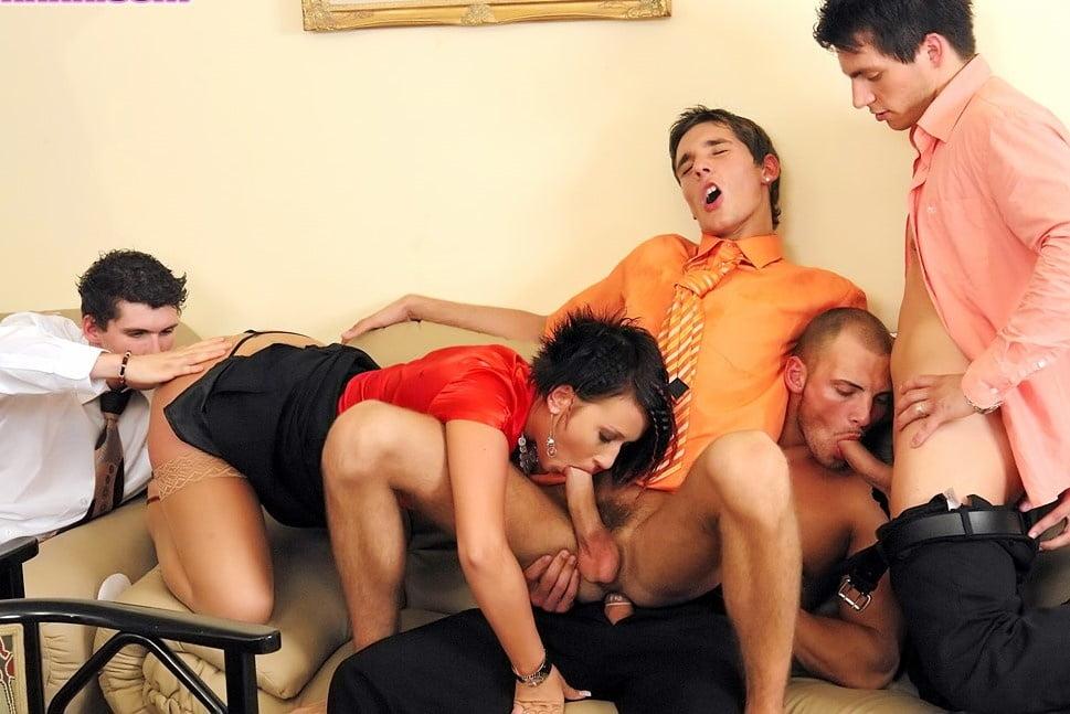 Порно извращение анал би гетеро