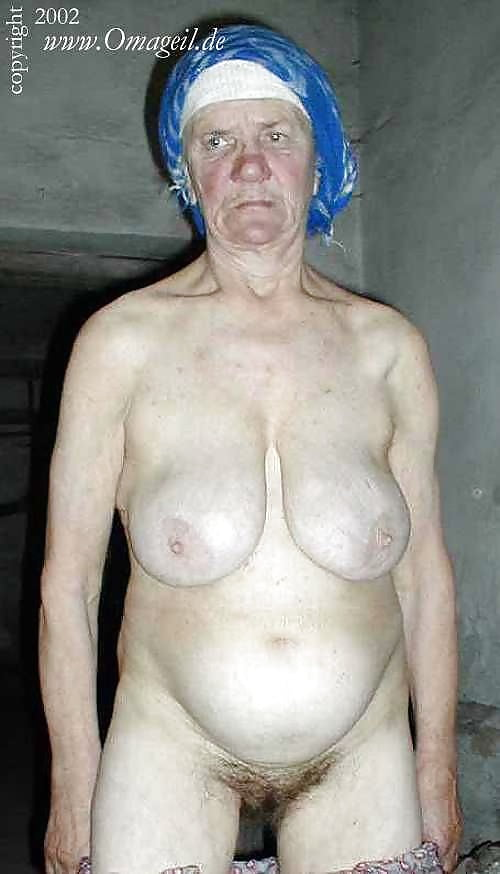 голые бомжихи эро фото - 10