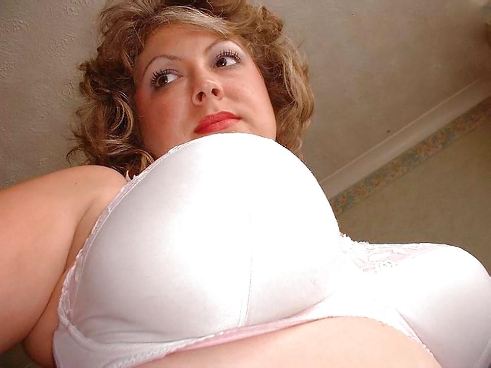 крепко прижался порно фото баб в лифчиках девушки большими