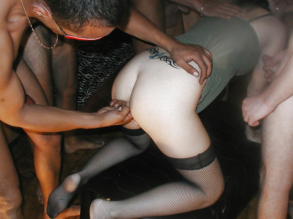 blyad-razdirayut-po-krugu-posledniy-seks-molodoy
