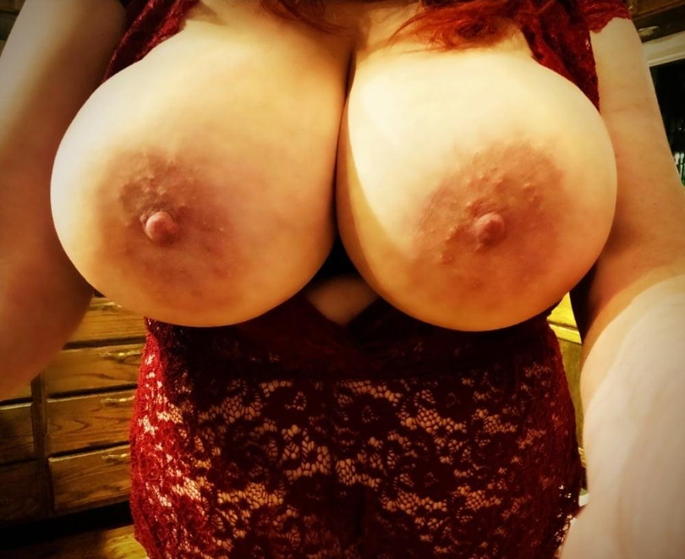Great boobs milf selfshot