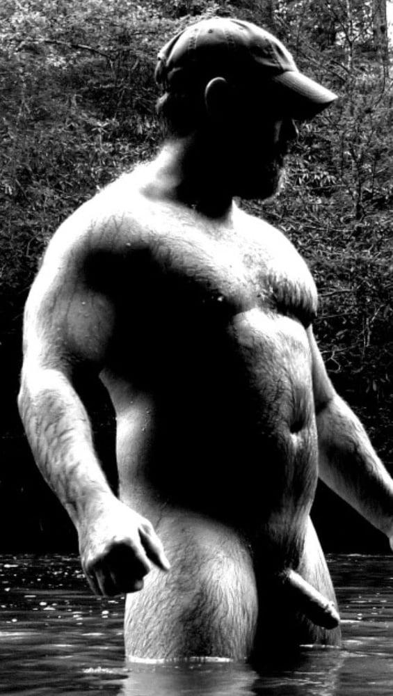 Sexy naked bear — img 4