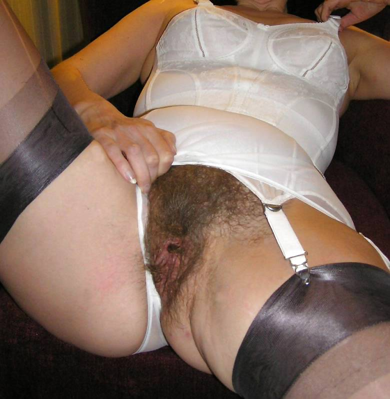 Hairy mature in pics