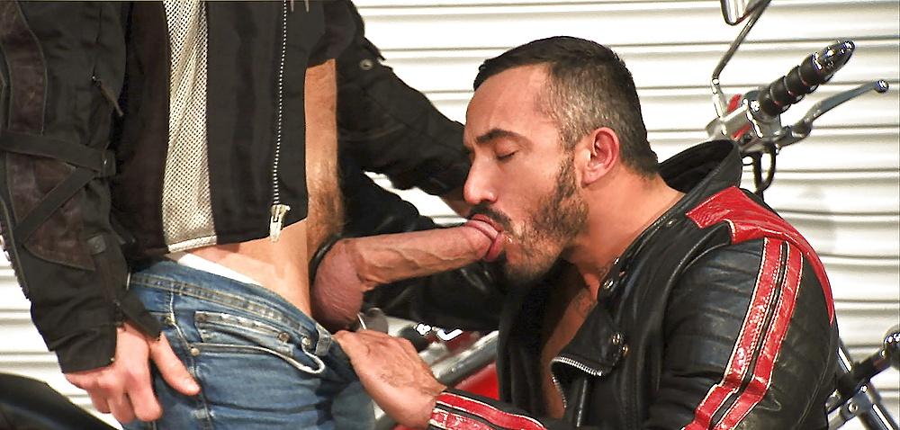 Leather fetish gay porn pics