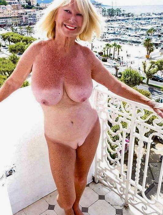 Horny housewives fantasies