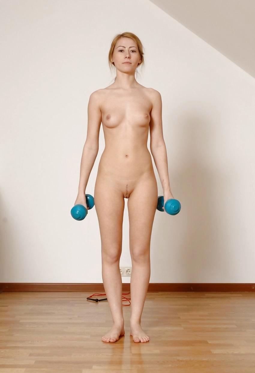 Figure Drawing Pose Of Female, Gymnastics, Hands Empty And Balance Beam