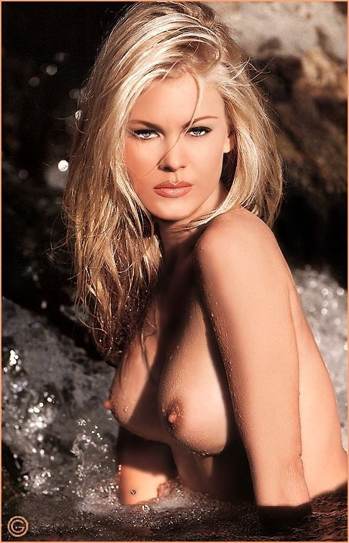 Jessica simpson playboy nude pictures
