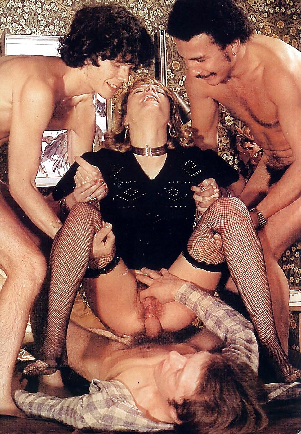 Порно фильмы про оргии ретро в hd, минет от сисястая барменша