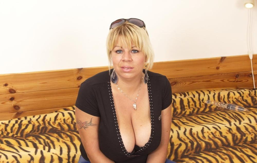 Thick blonde big tits