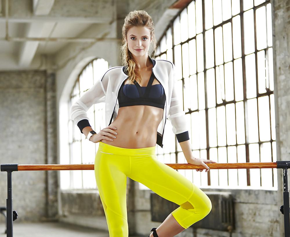 New Design Yoga Fitness Tops Women Workout Sexy Active Yoga Sports Wear Bra Vest