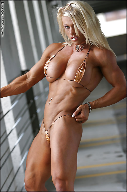 girl-that-is-ripped-naked