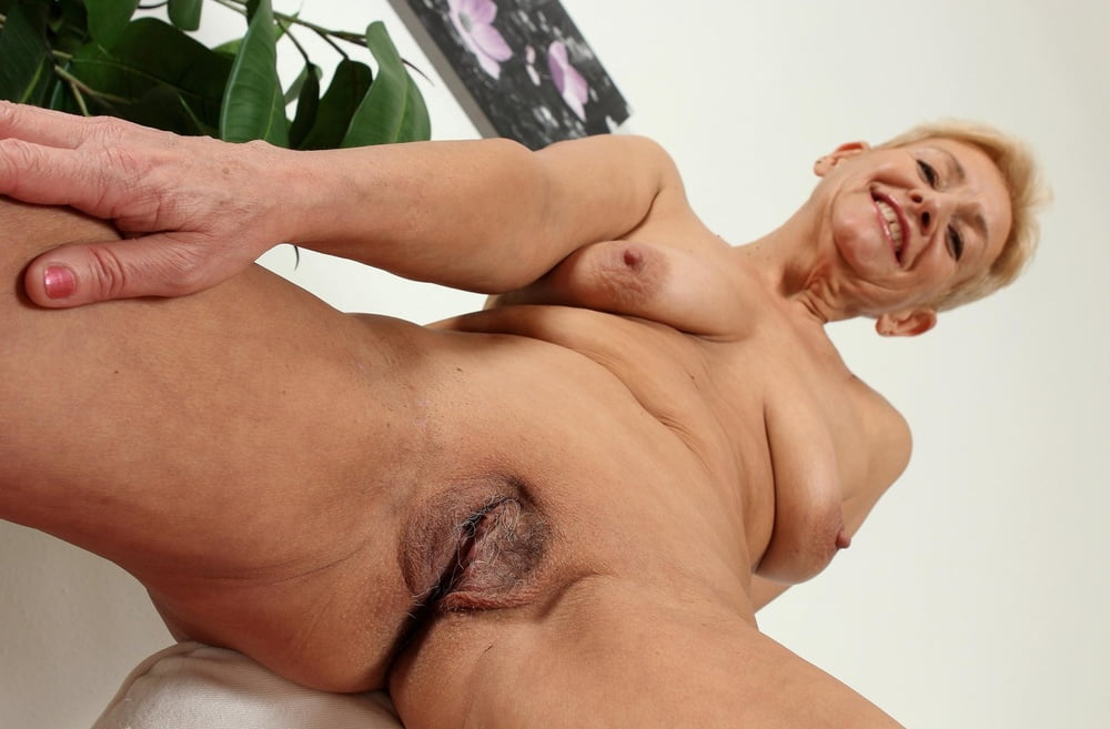 Hairy mature orgasm solo