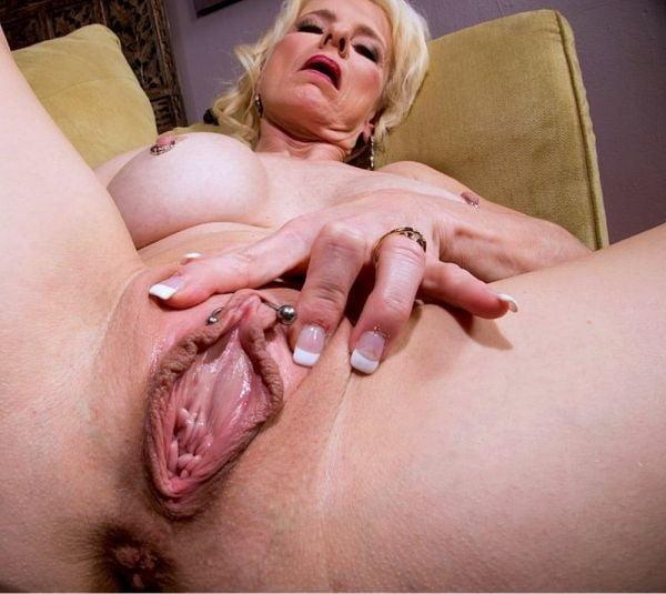 Wet granny sex pics Nudist place