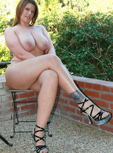 White BBWs and Thickness in Heels