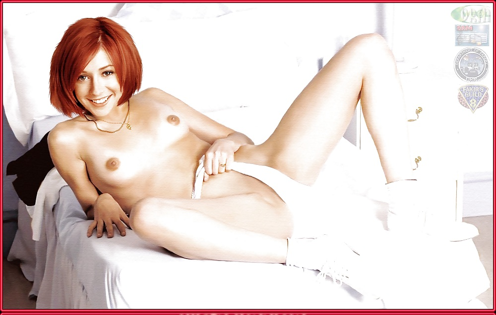 Alyson Hannigan Showing Off Her Pussy And Tits