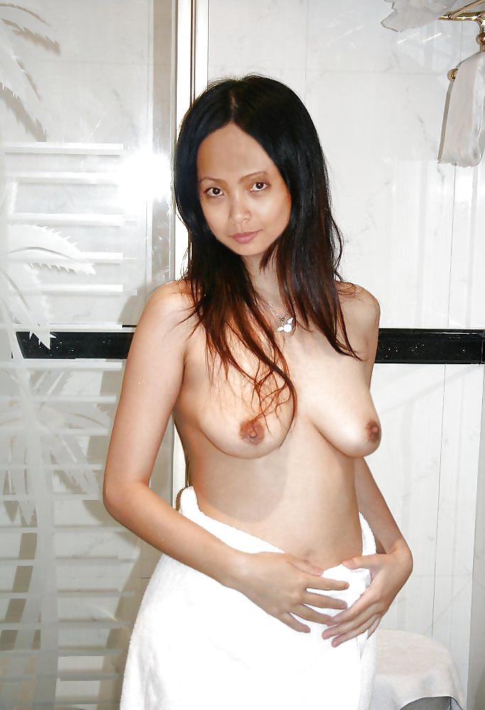 Skinny hong kong girl loves fucking