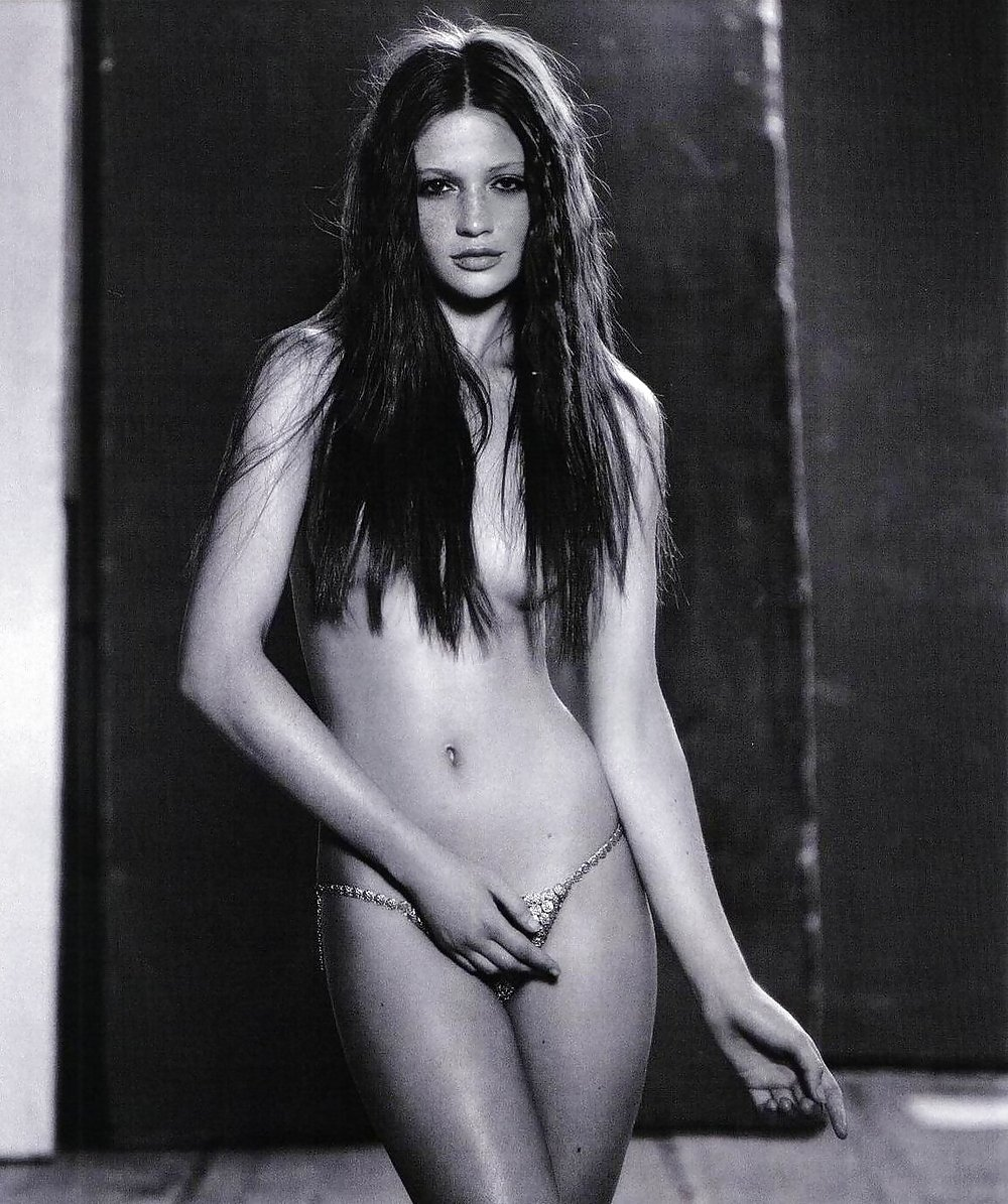 trentine-caroline-naked