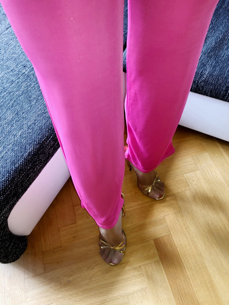 Like it! Me on my Pink pictures with pantyhose and Heels - 12 Pics