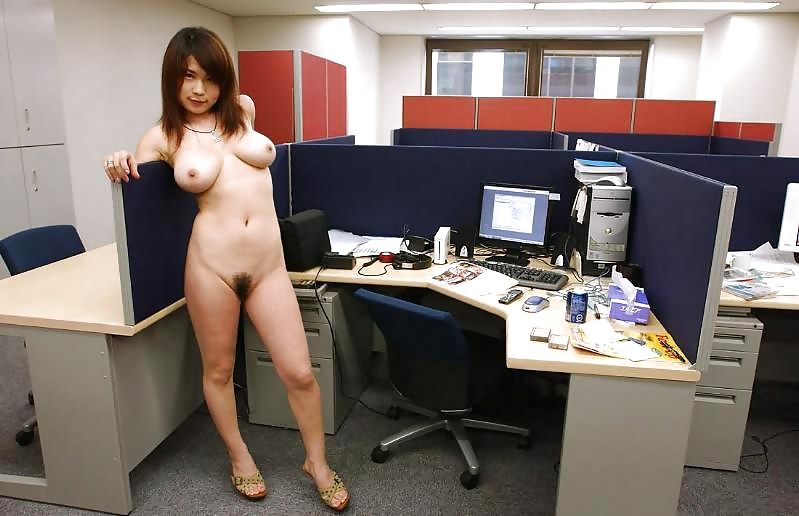 girl-sex-nude-office