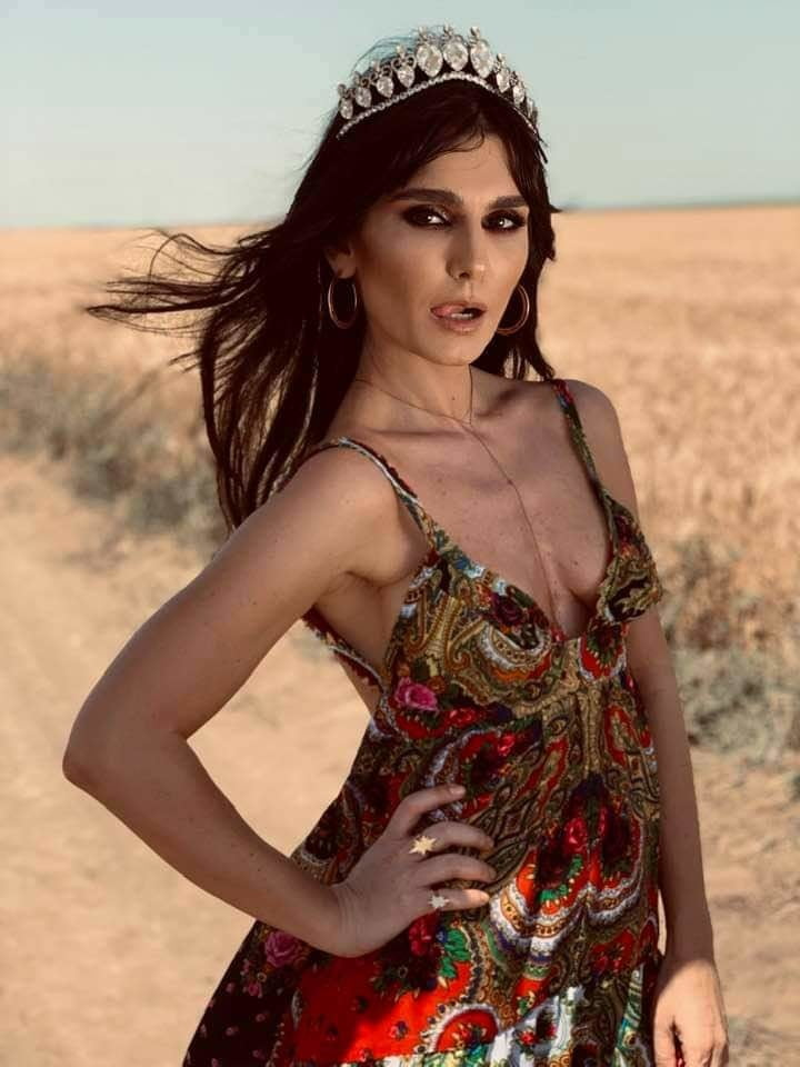 Skinny arogant slut Dana Budeanu long legs for TRIBUTES
