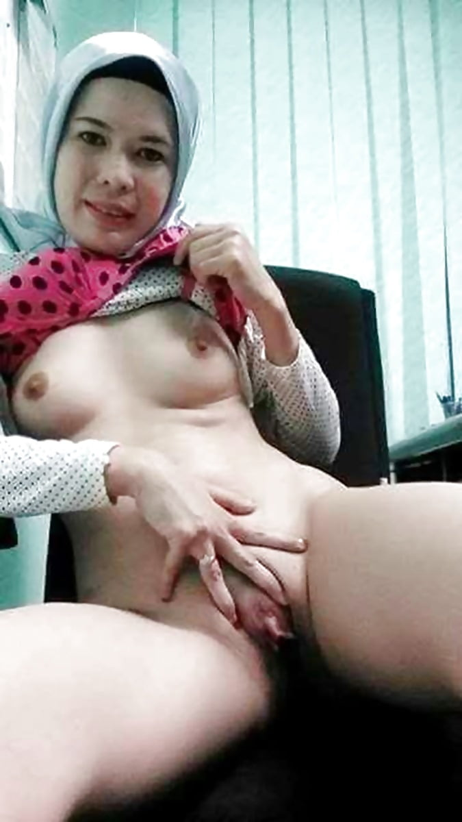women-melayu-xxx-flat-chested-lesbiens