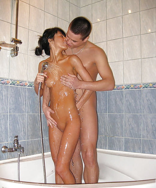 Couples naked bathroom — photo 1