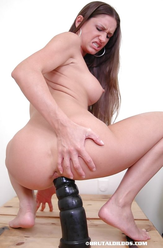 Huge dildo amatures — photo 10
