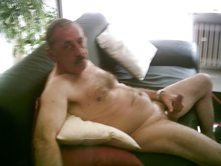 Nackt gerne zeig ich mich Ich zeig