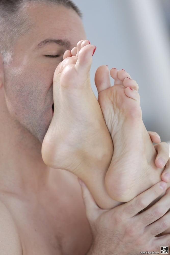 Облизываем красивые ножки — pic 13