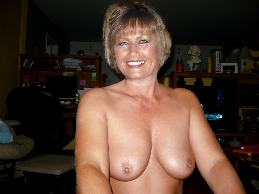 Real Amateur Mature Women Exposed Naked