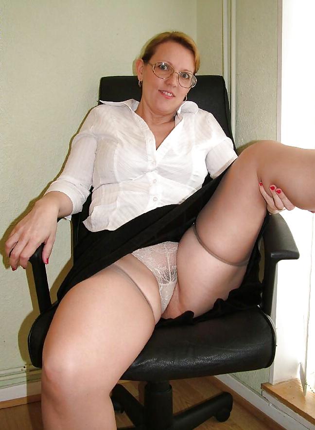 Фото фото порно женщины возрасте в юбках красноярске