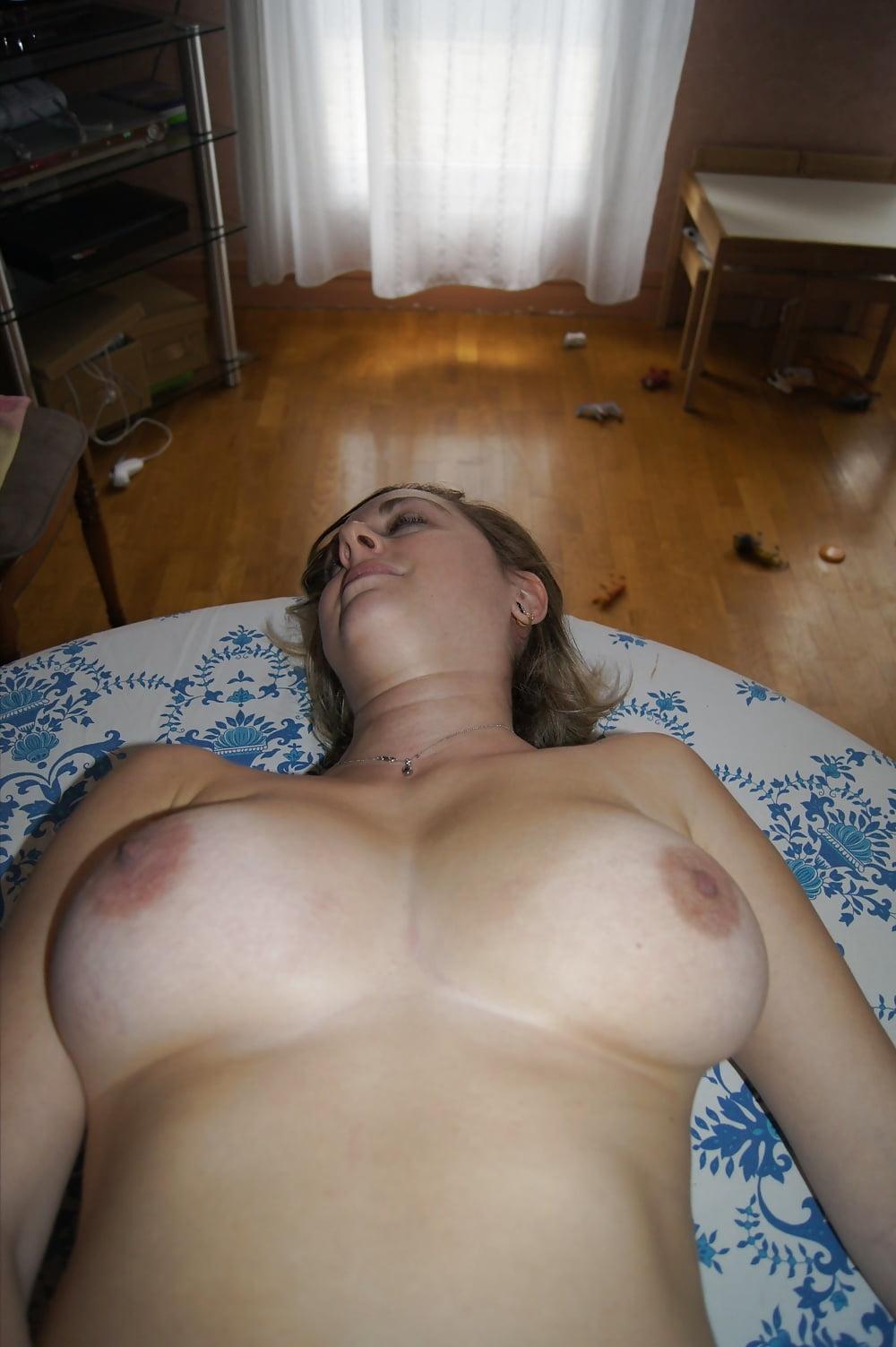 большие груди соседки фото - 10