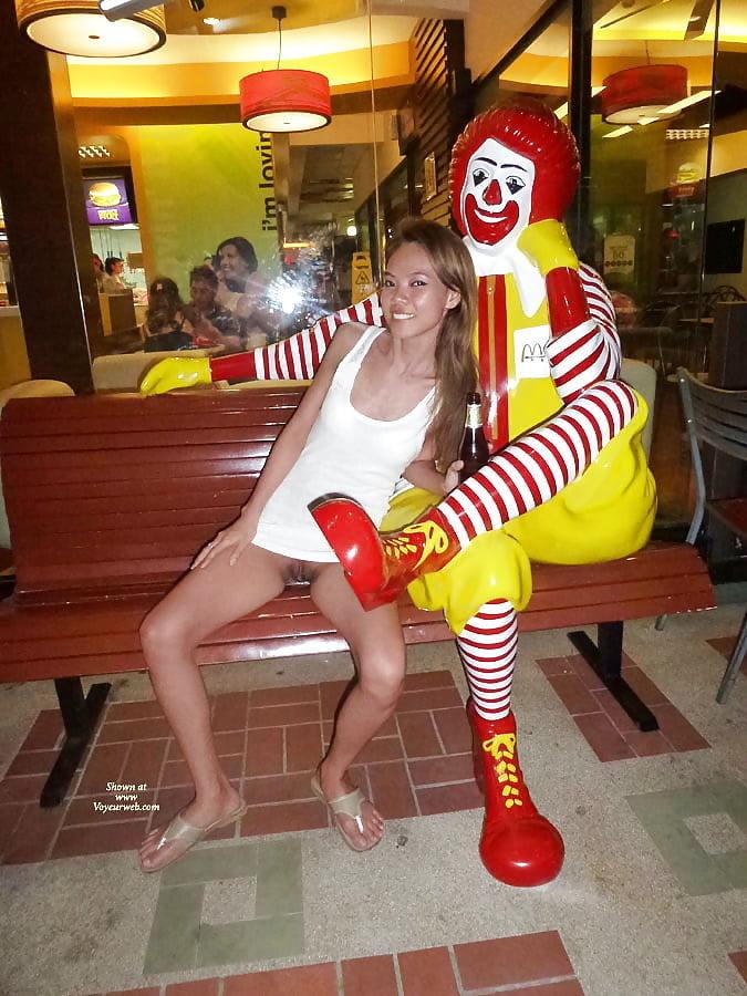 Mcdonalds Cheeseburger Stools