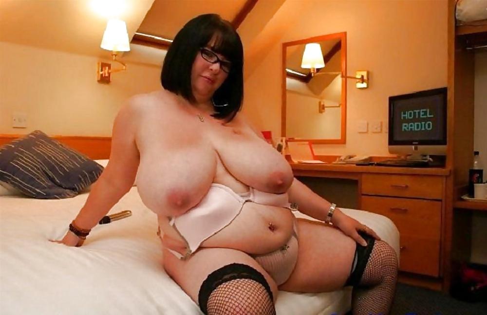 Порно фотогалерея толстых жоп крупно вокруг безумствует