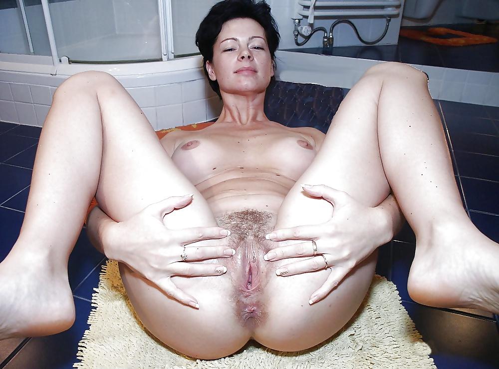 поэтому порно зрелых мамочек дырок фото смотря сопротивление супруги